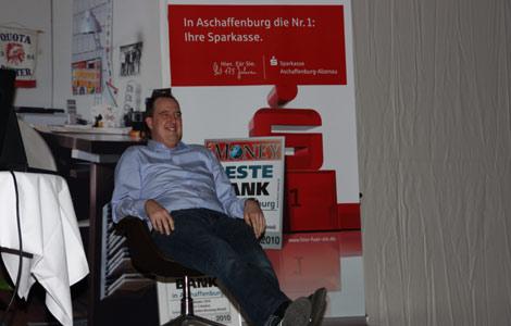 Bernd Häusel bei der Sparkasse