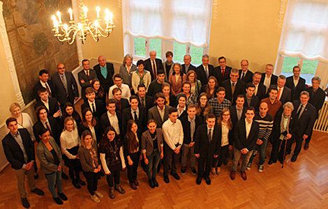 Sparkasse Aschaffenburg-Alzenau fördert drei Stipendiaten der Hochschule Aschaffenburg mit dem Deutschland-Stipendium
