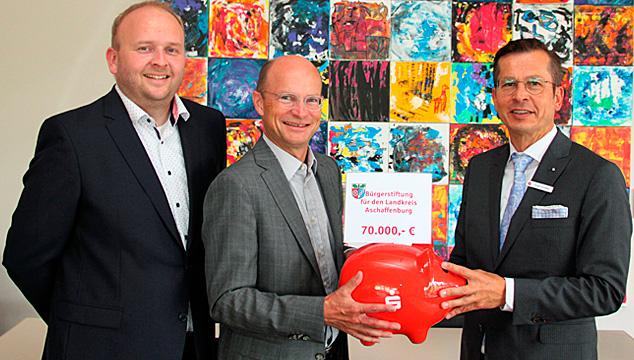 Sparkasse unterstützt die Bürgerstiftung des Landkreises Aschaffenburg