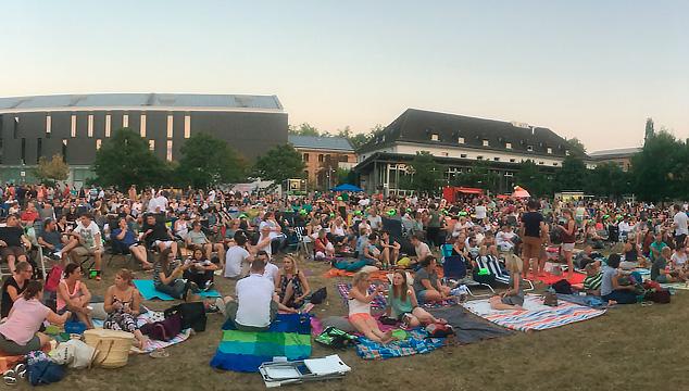 Laue Sommernächte, kalte Getränke – beste Bedingungen für einen gelungenen Open Air-Kino-Abend