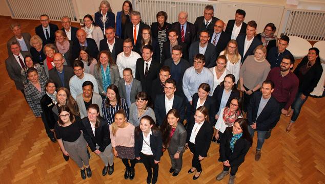 Die Sparkasse Aschaffenburg-Alzenau fördert erneut drei Studierende der Hochschule Aschaffenburg mit dem Deutschland-Stipendium.