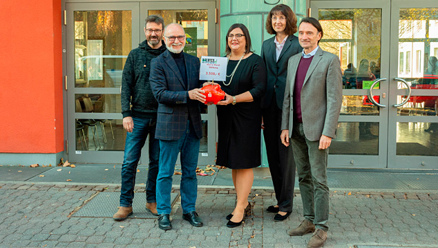 Sparkasse unterstützt die Maria-Ward-Stiftung
