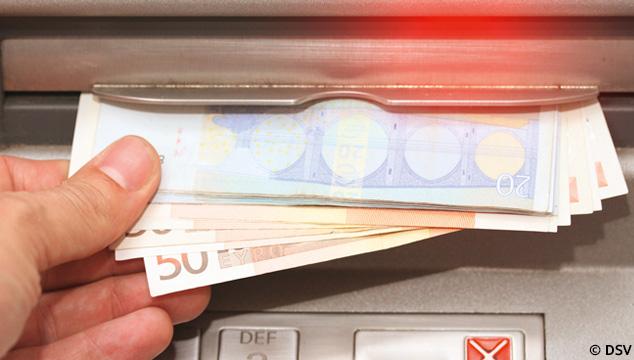 Tschüss 500-Euro-Schein. Hallo neue 100er- und 200er-Scheine!