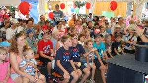 Sommer, Sonne, Spiel und Spaß in der bunten KNAX-Welt auf dem Aschaffenburger Stadtfest
