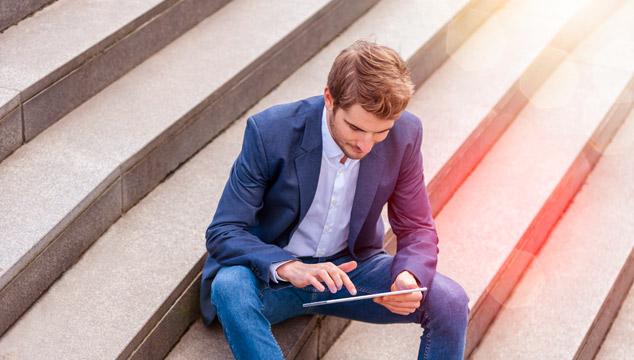 Karriereeinstieg mit einer Ausbildung zum Bankkaufmann (m/w/d) oder einem dualen Studium in unserer Sparkasse: Eine Insiderin berichtet